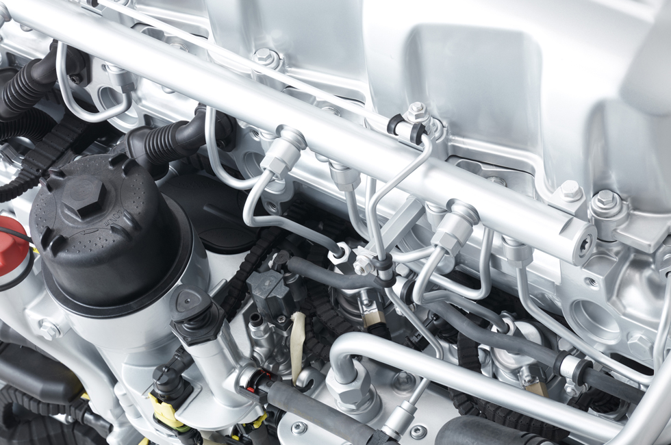 PACCAR MX-13 Euro 6 engine detail common rail